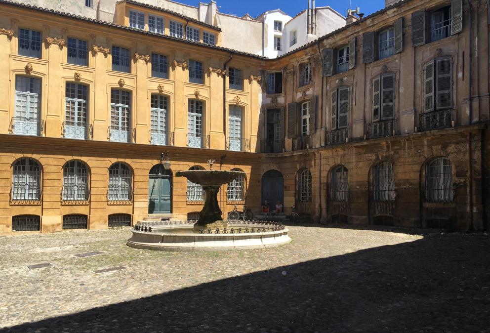 albertas aix en provence square