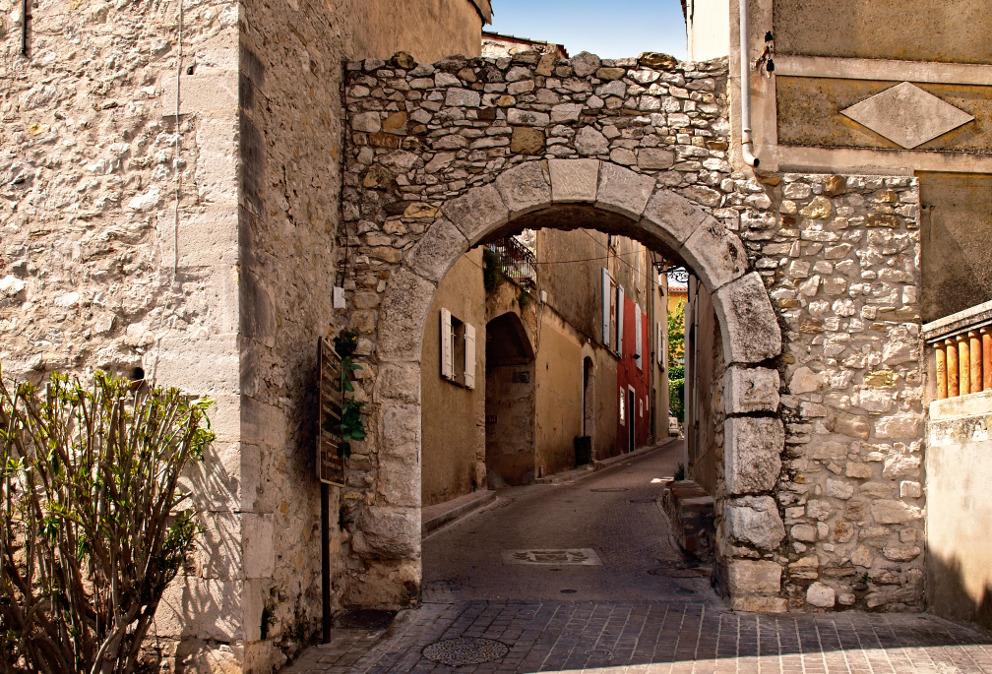 village medieval var